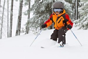 Skiing & Kids: Find the Right Eye Protection Against UV