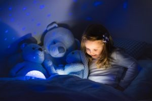 Can Reading in Low Light Harm Your Eyes?